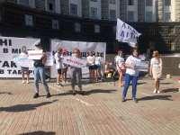 На улицу можно, а в лагерь нет?   Результаты митинга в поддержку открытия детских лагерей