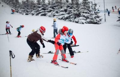 Как научить ребенка кататься на лыжах - рекомендации от организатора лыжных лагерей
