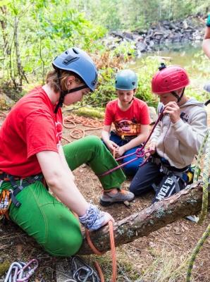 Детский лагерь ЭкстреМал. Скалолазанье+Фотоискусство Житомирская область/Коростышев